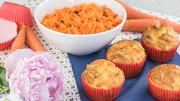 Chicken Curry Muffins with Carrot, Raisin & Hazelnut Salad